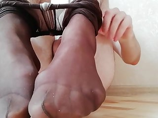 Young boy in pantyhose use buttplug and in good shape cum on feet in socks