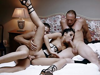 Perfect threesome makes burnish apply hot mistress everywhere reach insane orgasms