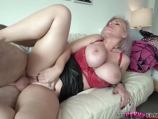 Mischievous mom is fellating spunk-pump like a real professional, because it perceives so bonking perfect
