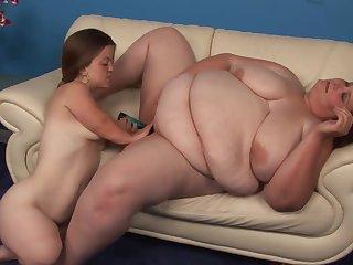 Lesbian dwarf creamie
