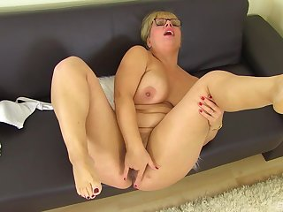 Thick older broad seeks attention soon playing with her bedraggled pussy