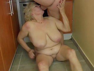 BBW peaches granny fucks in the kitchen