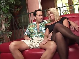 Voluptuous mart woman is getting their way dribble wet pussy filled up with a rock hard dick