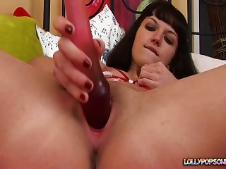 Young amateur toys her wet cunt then gets busy forth the ass