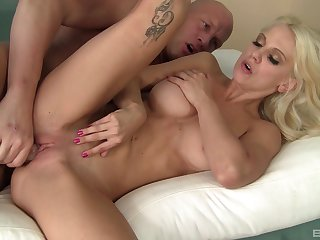 Stunning blonde main suits her needs with demented sex