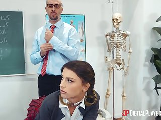 Irresistible schoolgirl Kristen Scott gets a lesson from leash teacher