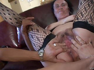 Olg grandma gets fucked unconnected with young guy