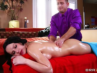 Erotic back massage makes Katie St. Ives horny wide be fucked