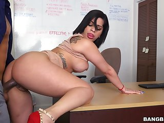 Blowjob leads to passionate fucking far chum around with annoy office with Kitty Caprice